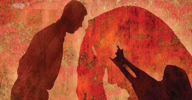 இந்துத்துவம் குறித்த விஷயங்கள் மகளிர் நிலை குறித்த அம்சங்களில் ஒரு அடக்குமுறையை முன்வைத்துதான் பேசுகின்றன.